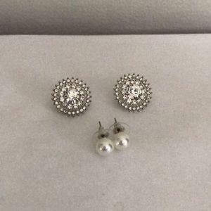 Lot of two costume earrings